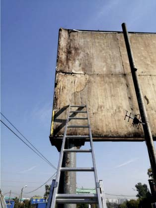 Замена фанеры рекламных конструкций